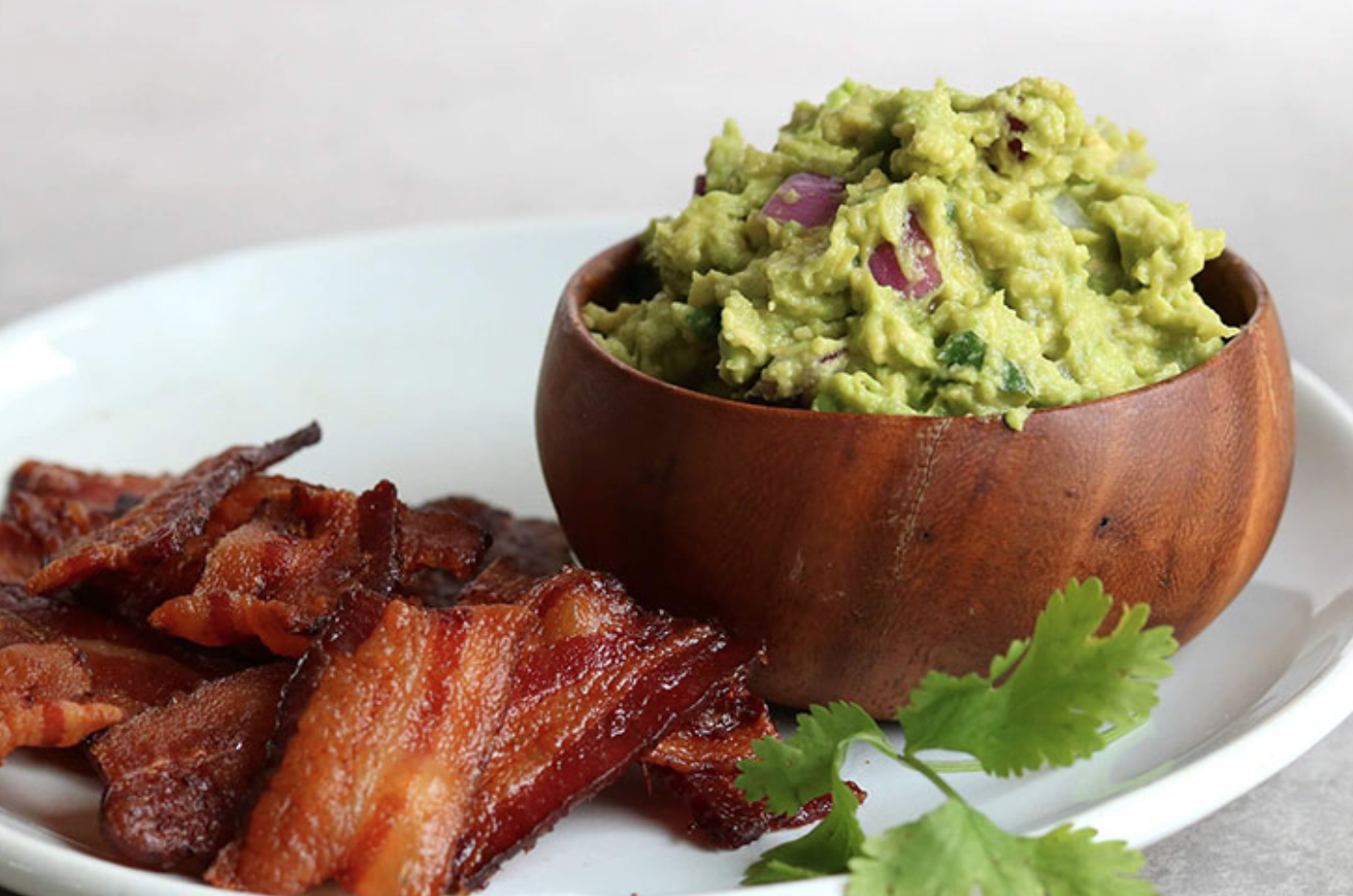 bacon_chips_guac