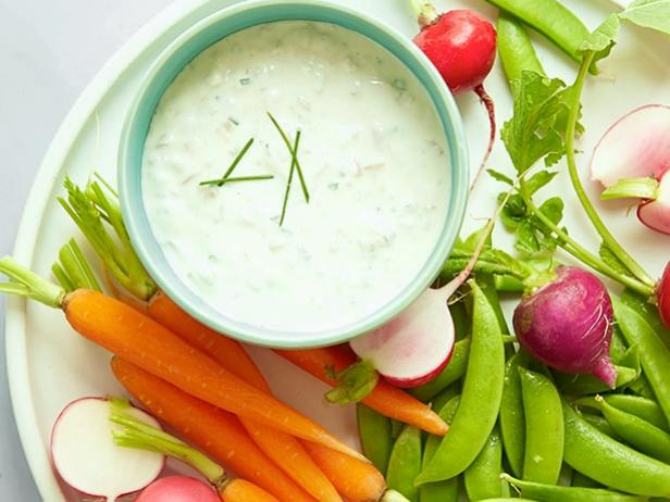 greek-yogurt-onion-dip