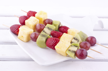 beach fruit skewers