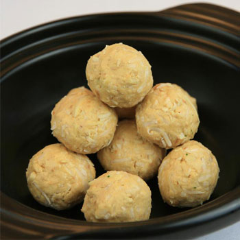 Peanut butter protein balls for diabetes