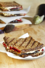 Diet-to-Go Recipes - The Veggie Goat Cheese & Watercress Sandwich