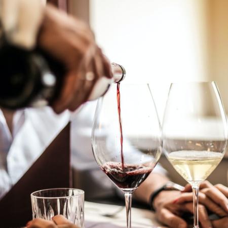 8 Healthy Summer-Friendly Food and Wine Pairings
